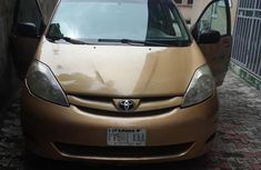 Need to sell cheap used 2007 Toyota Sienna color for sale