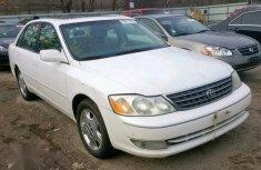 Toyota Avalon 2002 White for sale