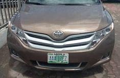 Sell well kept brown 2009 Toyota Venza automatic at price ₦3,650,000