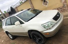Sell grey/silver 2000 Lexus RX automatic at cheap price