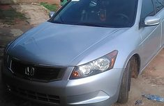 Well maintained grey/silver 2009 Honda Accord automatic for sale