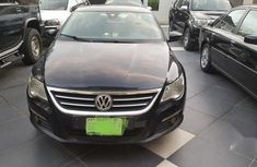 Sell sparkling 2010 Volkswagen Passat sedan automatic