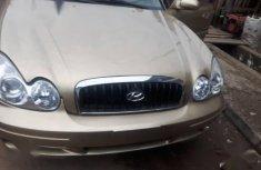 Sell very cheap clean gold 2004 Hyundai Sonata in Lagos