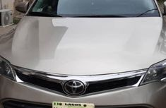Sell used gold 2014 Toyota Avalon sedan automatic in Lagos