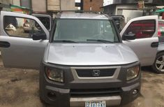 Sell used grey/silver 2004 Honda Element suv automatic at cheap price