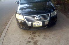 Selling black 2008 Volkswagen Passat in Abuja