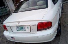 Sell sparkling 2004 Hyundai Sonata sedan automatic
