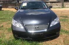 Selling grey/silver 2012 Lexus ES automatic in Port Harcourt