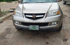 Selling gold 2004 Acura MDX in Warri