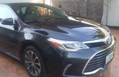 Need to sell 2016 Toyota Avalon automatic in good condition in Lagos