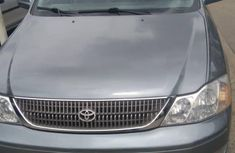 Clean and neat grey/silver 2003 Toyota Avalon for sale