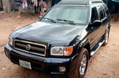 Sell cheap black 2004 Nissan Pathfinder suv  automatic at mileage 137,000
