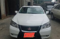 Sell well kept white 2007 Lexus ES automatic in Port Harcourt