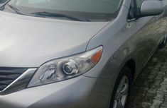 Toyota Sienna 2012 7 Passenger Silver for sale