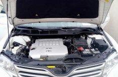 Toyota Venza 2010 V6 White for sale