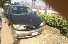 Sell used 2002 Toyota Sienna estate automatic in Lagos