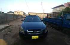 Need to sell high quality blue 2005 Honda CR-V automatic in Lagos