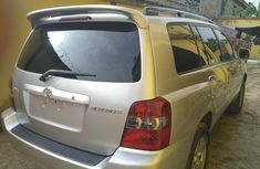 Tokunbo 2007 Toyota Highlander 3Row Seater(First Body And Accident Free)