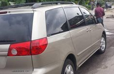 Sell gold 2007 Toyota Sienna automatic in Port Harcourt at cheap price