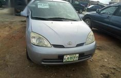 Well maintained blue 2001 Toyota Prius automatic for sale