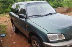 Toyota RAV4 1998 Green color for sale