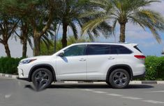 Need to sell new 2019 Toyota Highlander suv / crossover automatic at cheap price
