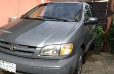 Very sharp neat 2001 Toyota Sienna for sale in Port Harcourt