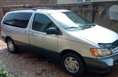 Well maintained 2000 Toyota Sienna automatic for sale