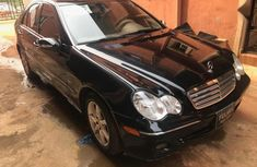 Clean and neat used black 2007 Mercedes-Benz C280 automatic in Lokoja at cheap price