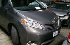 Silver 2013 Toyota Sienna automatic at mileage 37,000 for sale