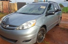 Toyota Sienna 2007 LE 4WD Blue for sale