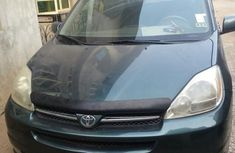 Toyota Sienna 2004 XLE AWD (3.3L V6 5A) Blue for sale