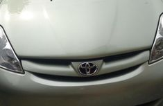 Toyota Sienna 2006 Green for sale