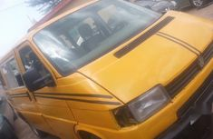 Sell well kept yellow 2004 Volkswagen Caravelle manual