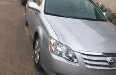 Need to sell cheap used 2006 Toyota Avalon in Lagos