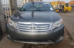 Clean and neat used green 2012 Toyota Avalon automatic in Lagos at cheap price