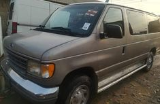 Neatly used 2000 Ford Van good for transportation V4 Engine