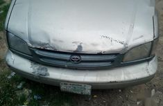Sell gold 1999 Toyota Sienna automatic at cheap price