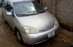 Need to sell high quality grey 2002 Toyota Prius sedan automatic