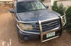 Selling 2001 Toyota Highlander suv / crossover at mileage 200,000 in Abuja