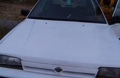 Sell well kept white 1997 Nissan Sunny manual at mileage 125,352