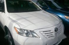 Sell white 2008 Toyota Camry at mileage 78,523 at cheap price