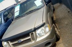 Ford Escort 2000 Gold for sale