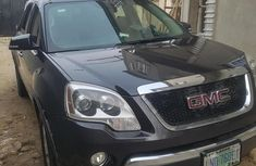 Selling 2008 GMC Acadia automatic in good condition