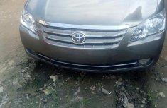 Sell well kept 2010 Toyota Avalon sedan automatic