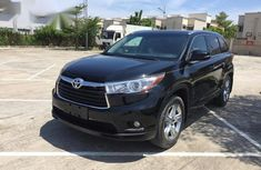 Need to sell black 2015 Toyota Highlander at price ₦9,850,000 in Lagos