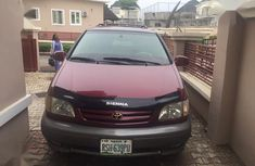 Sell used 2002 Toyota Sienna estate automatic in Abuja