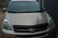 Need to sell cheap used gold 2008 Toyota Sienna van automatic