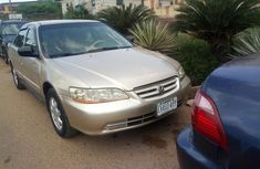 Selling gold 2002 Honda Accord automatic in good condition in Ibadan