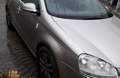 Volkswagen Jetta 2005 Sedan GLS TDI Gold for sale